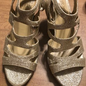 Naturalizer 6.5 M gold Glitter Shoes